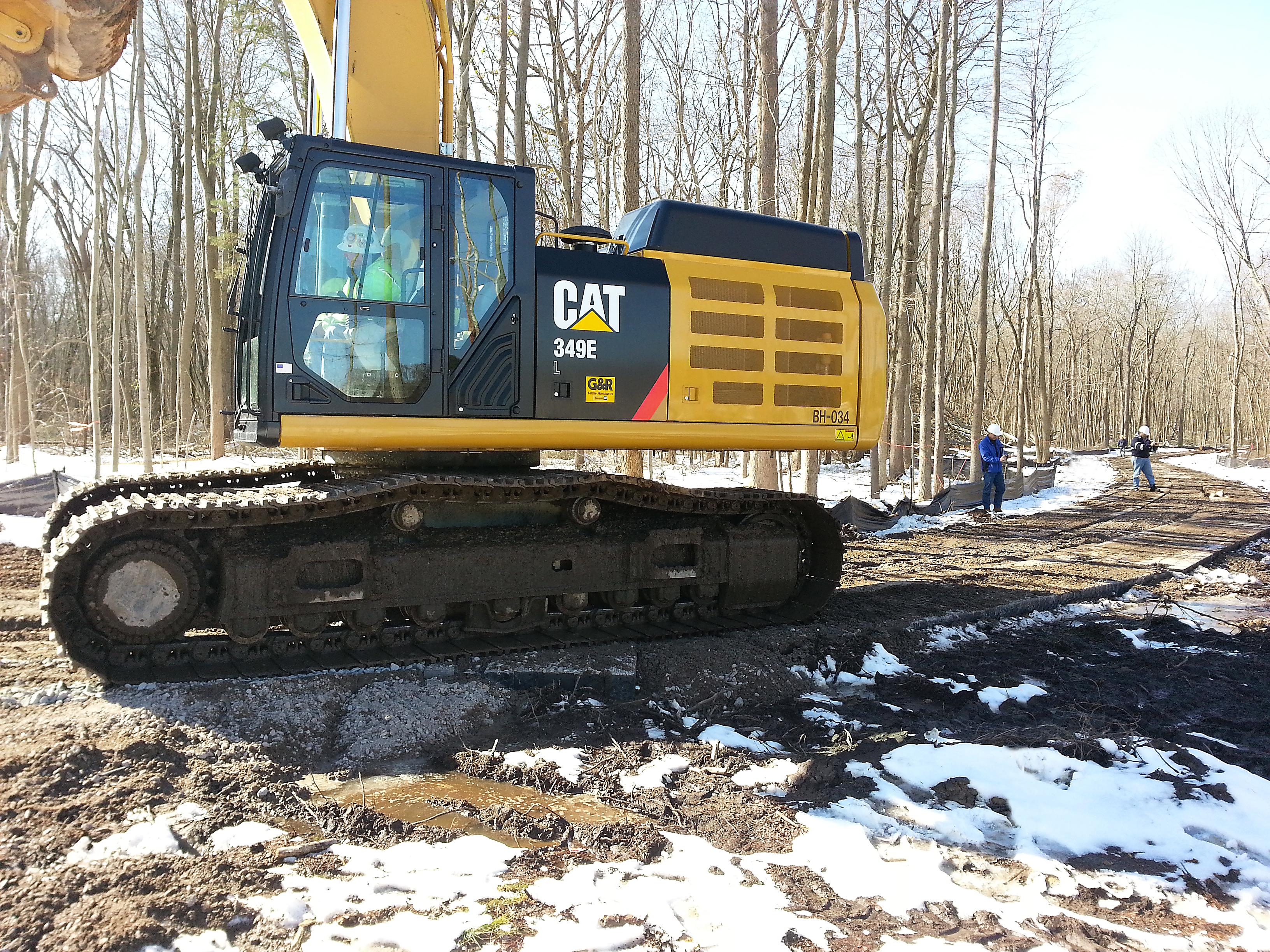ExcavatoronMATSoldbridge_105836_sp